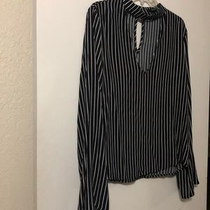 NWT 21 black and white stripe opened collar top